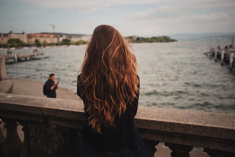 Natürliche Haarpflege - 4 Tipps für schöne und starke Haare